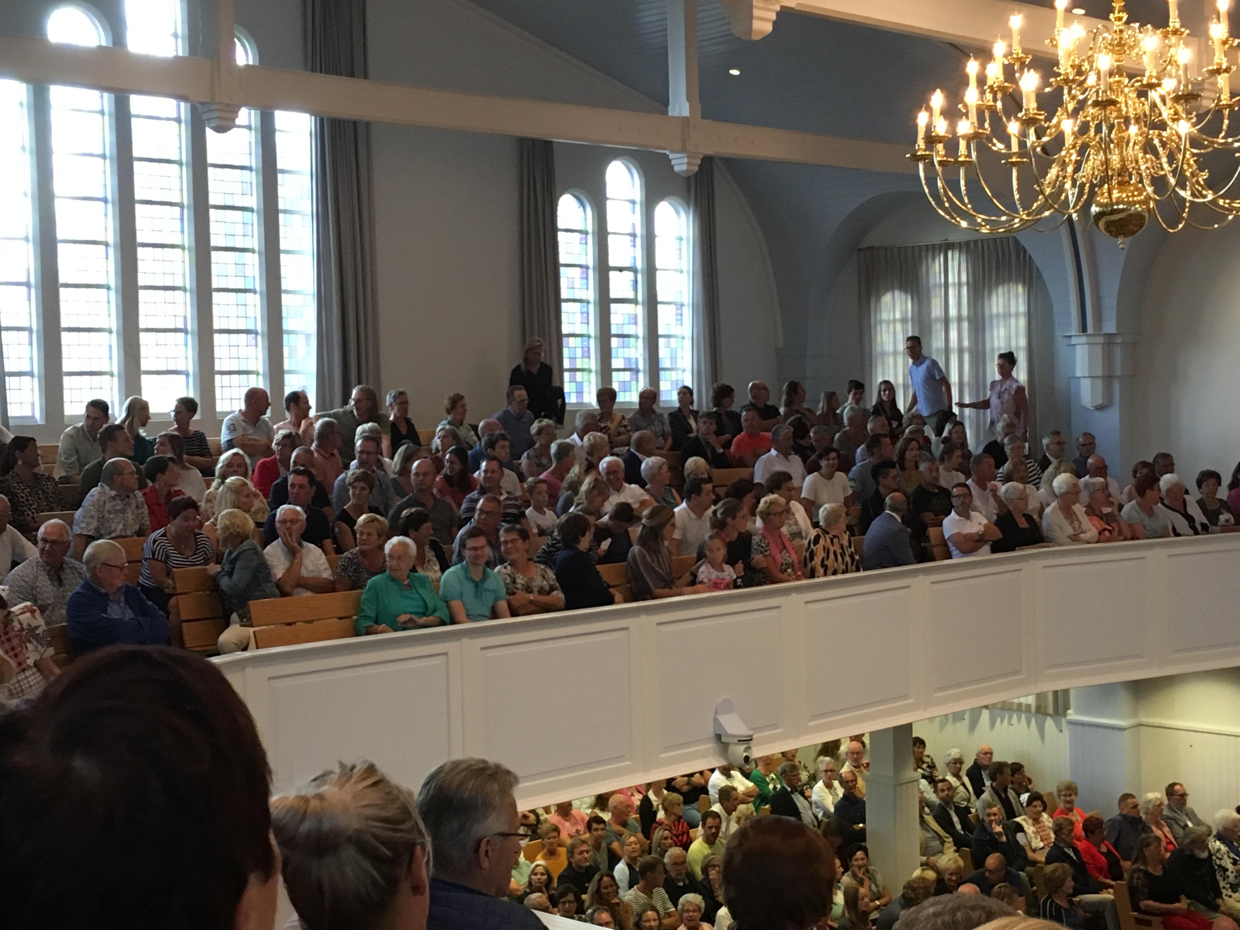 Overvolle kerken bij gezamenlijke diensten Bunschoten-Spakenburg